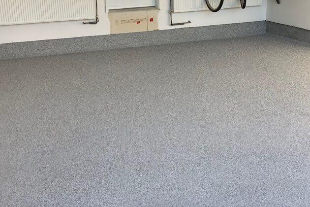 Residential Epoxy Garage Flooring (flakes)
